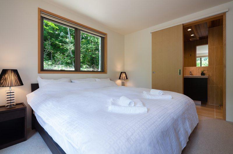 Solar Chalets Master Bedroom | Hakuba, Nagano