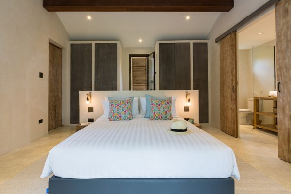 Koh Koon Bedroom Area with Lamps | Koh Samui, Thailand