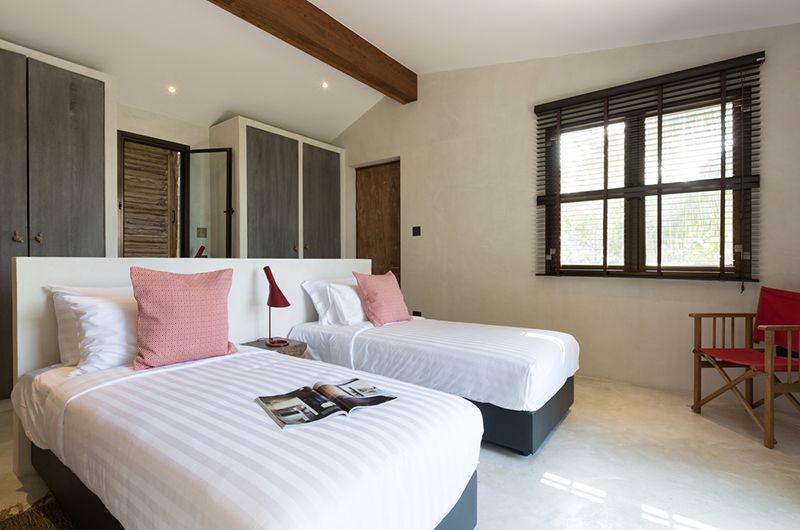 Koh Koon Twin Bedroom with Lamps | Koh Samui, Thailand