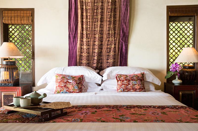 Villa Samudra Octagonal Master Bedroom with Lamps | Koh Samui, Thailand