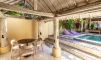 Les Villas Ottalia Gili Meno Dining Table | Gili Meno, Lombok
