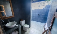 Scallywags Joglo Bathroom | Lombok | Indonesia