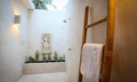 Sunset Palm Resort Super Deluxe 2br Villa Bathroom | Lombok | Indonesia