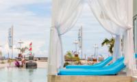 Villa Gili Bali Beach Sun Beds | Gili Trawangan, Lombok