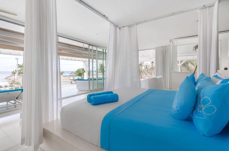 Villa Gili Bali Beach Bathroom with Balcony | Gili Trawangan, Lombok