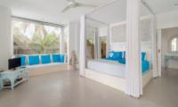 Villa Gili Bali Beach King Size Bed with TV | Gili Trawangan, Lombok