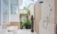 Villa Gili Bali Beach Outdoor Bathtub | Gili Trawangan, Lombok