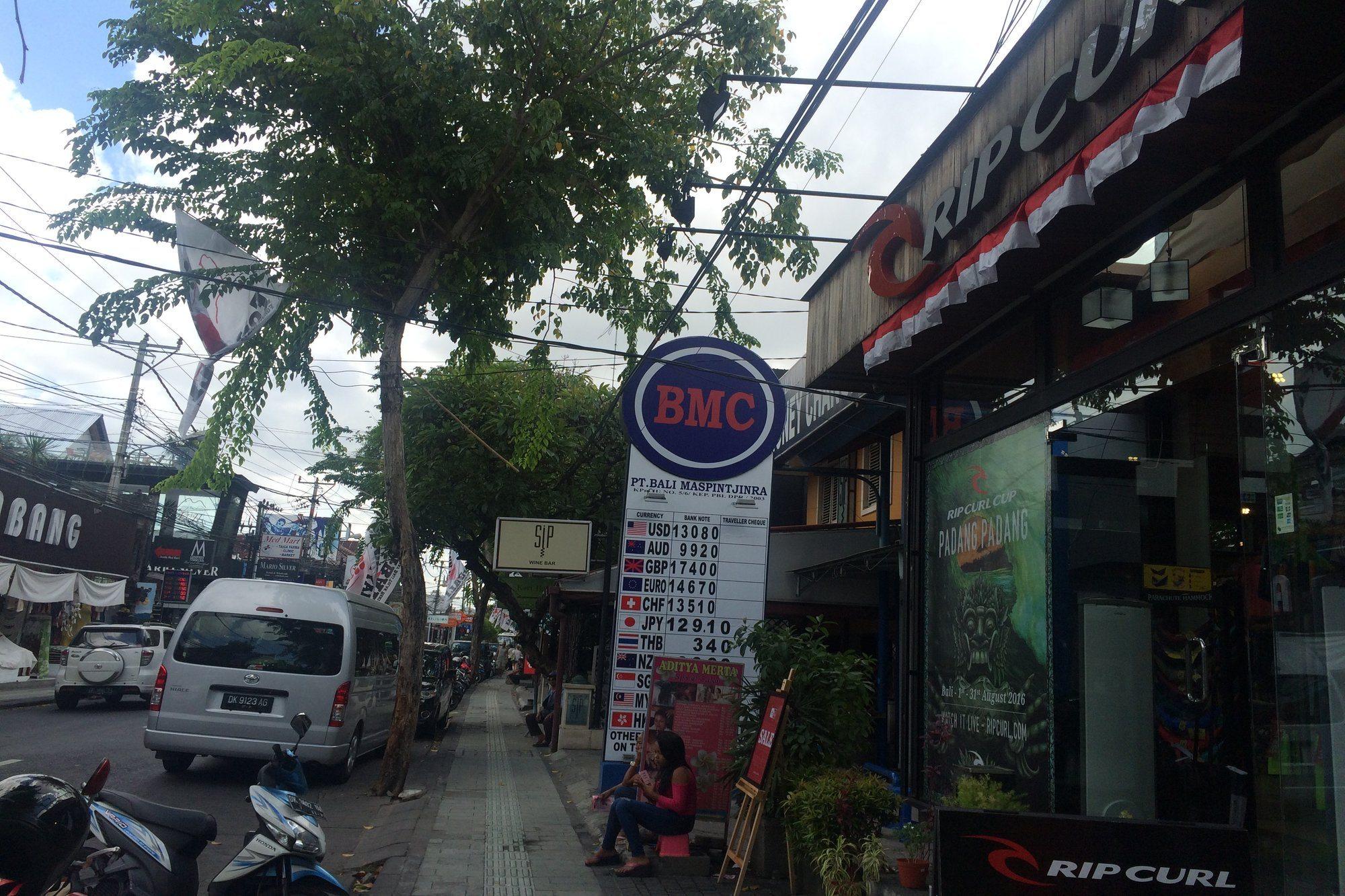The Best Money Exchanges in Legian, Bali