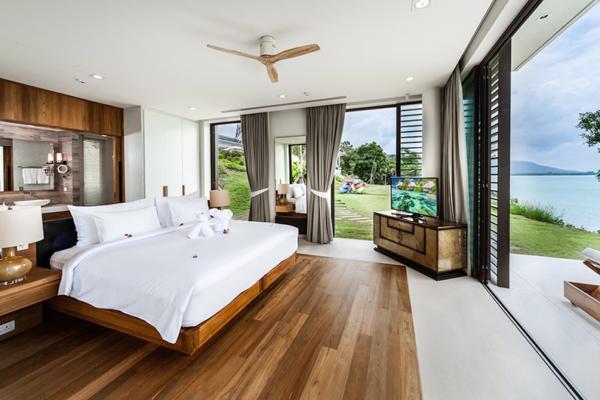 Villa Amarapura Guest Bungalow Bedroom with TV | Cape Yamu, Phuket