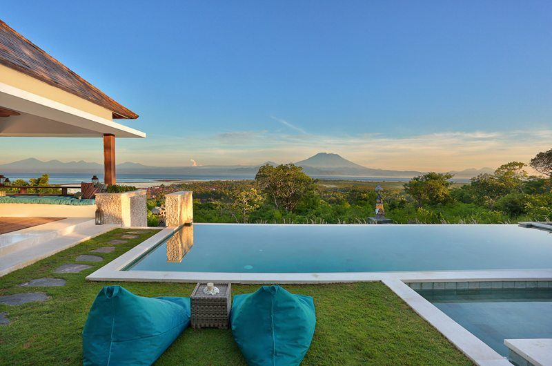 353 Degrees North Infinity Pool | Nusa Lembongan, Bali