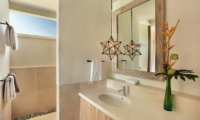 353 Degrees North En-suite Bathroom | Nusa Lembongan, Bali
