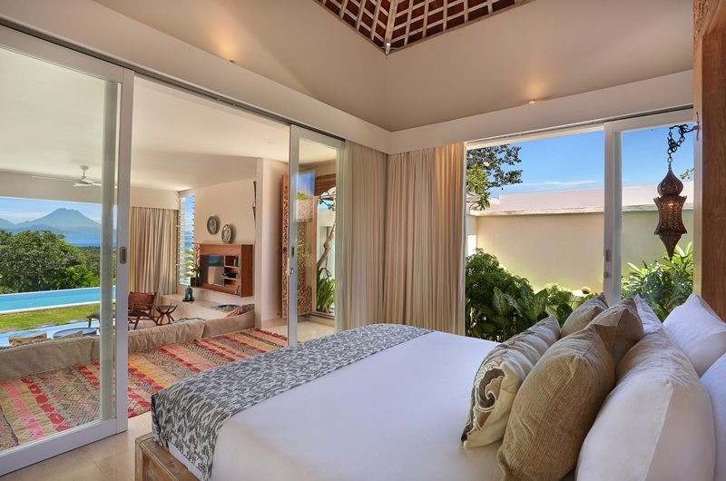 353 Degrees North Guest Bedroom | Nusa Lembongan, Bali