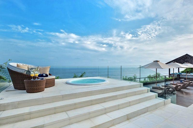 Grand Cliff Front Residence Reclining Sun Loungers | Uluwatu, Bali