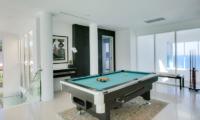Grand Cliff Front Residence Billiard Table | Uluwatu, Bali