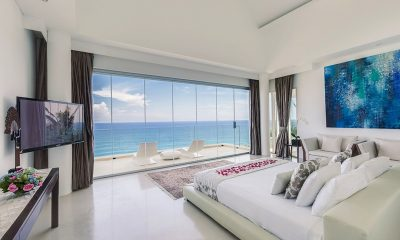 Grand Cliff Front Residence Bedroom with Sea View | Uluwatu, Bali