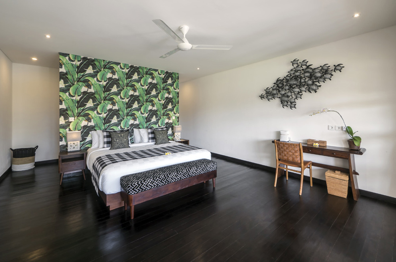 Villa Tjitrap Bedroom with Study Table | Seminyak, Bali