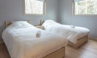 Bluebird Chalets Twin Bedroom Side | Hakuba, Nagano