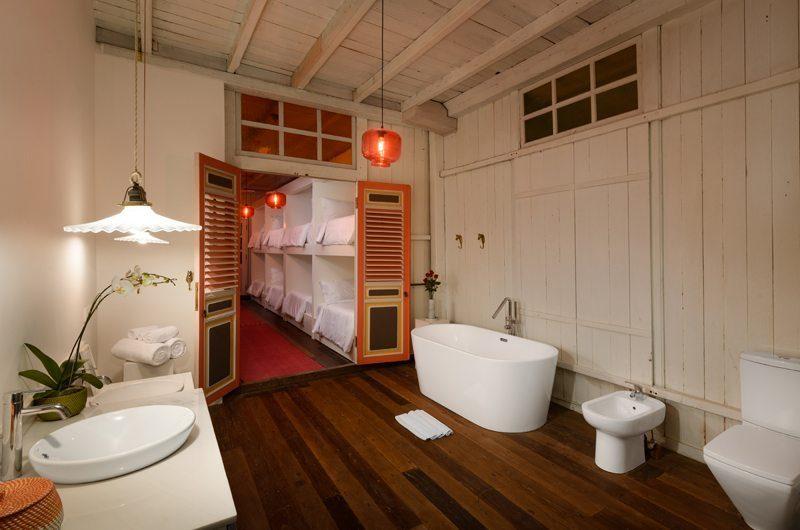 Villa 1880 Bathroom | Batubelig, Bali