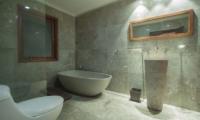 Villa Dewata I Bathroom | Seminyak, Bali