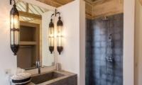 Villa Du Bah En-suite Bathroom | Kerobokan, Bali