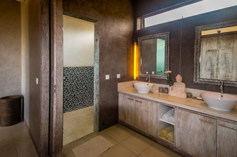 Villa Lisa En-suite Bathroom | Seminyak, Bali