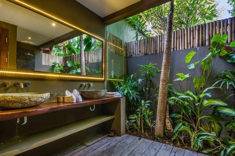 Villa Yoga Guest Bathroom | Seminyak, Bali