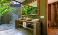 Villa Yoga En-suite Bathroom | Seminyak, Bali