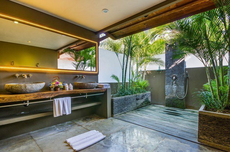Villa Yoga Bathroom | Seminyak, Bali