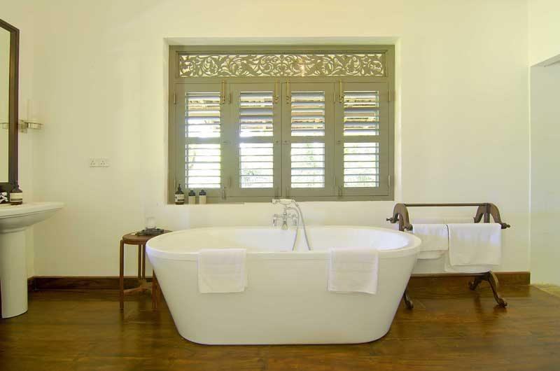 Ivory House Master Bathroom | Galle, Sri Lanka