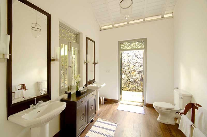 Ivory House Guest Bathroom One | Galle, Sri Lanka