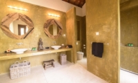 Kumara Master Bathroom | Weligama, Sri Lanka