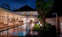 Villa 1880 Night View Pool | Batubelig, Bali