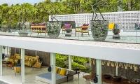 Villa 1880 Rooftop | Batubelig, Bali