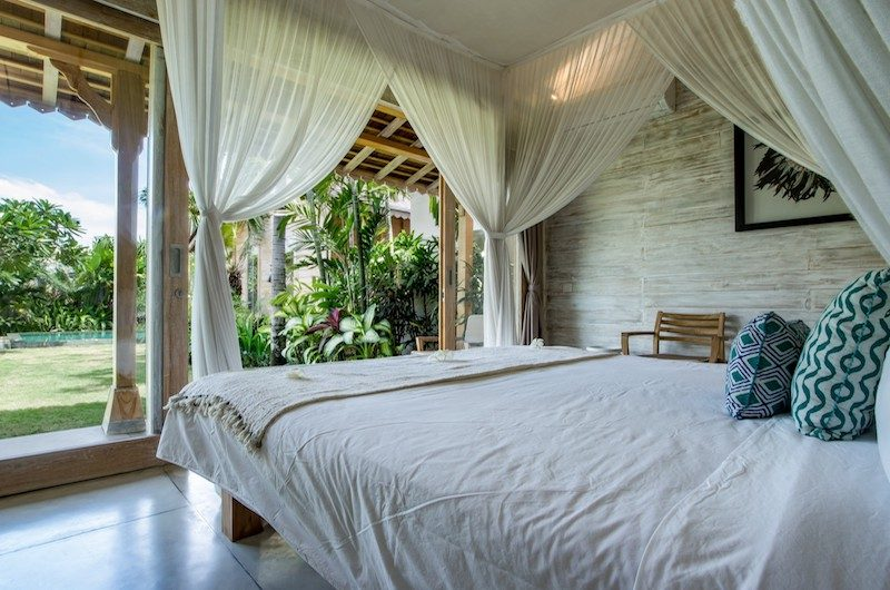 Villa Little Mannao Bedroom with Seating | Kerobokan, Bali