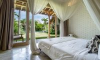 Villa Little Mannao Bedroom with Balcony | Kerobokan, Bali
