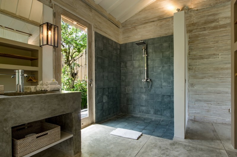 Villa Little Mannao Shower Area | Kerobokan, Bali