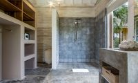Villa Little Mannao Shower | Kerobokan, Bali