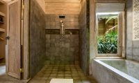 Villa Little Mannao Bathroom with Shower | Kerobokan, Bali
