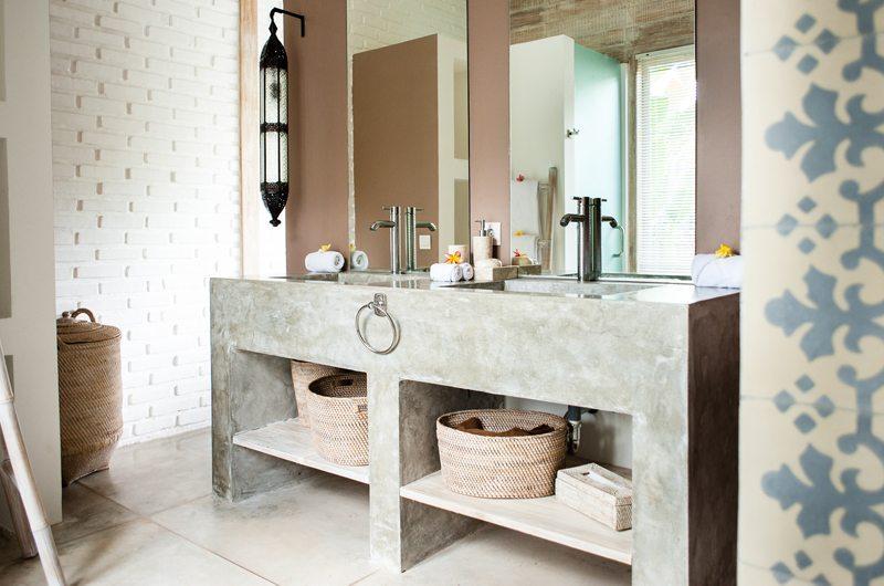 Villa Mannao En-suite Bathroom | Kerobokan, Bali