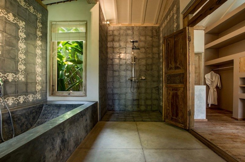 Villa Mannao Bathtub Area | Kerobokan, Bali