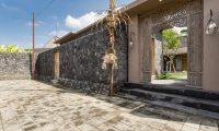 Villa Mannao Entrance Area | Kerobokan, Bali