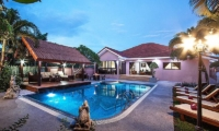 Baan Chatmanee Swimming Pool | Pattaya, Thailand