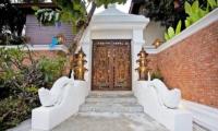 Jomtien Lotus Villa Entrance | Pattaya, Thailand