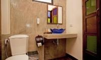 Jomtien Lotus Villa En-suite Bathroom | Pattaya, Thailand