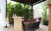 The Tamarind Bathtub | Pattaya, Thailand