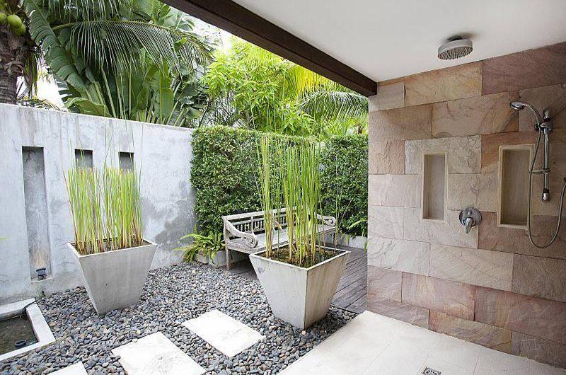 The Tamarind Outdoor Bathroom | Pattaya, Thailand