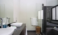Villa Anyamanee Bathroom | Phuket, Thailand