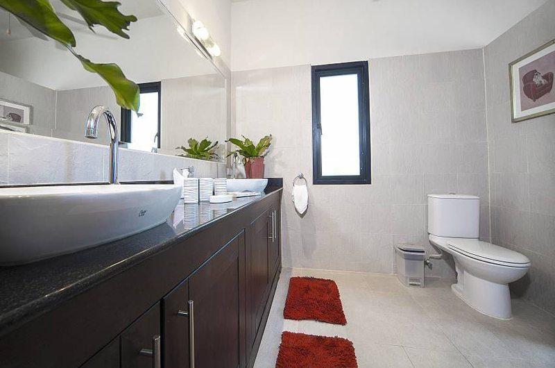Villa Gaew Jiaranai Bathroom   Phuket, Thailand