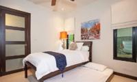 Villa Morakot Twin Room | Phuket, Thailand