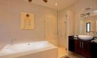 Villa Pagarang En-suite Bathroom | Phuket, Thailand